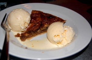Pecan Pie ala mode